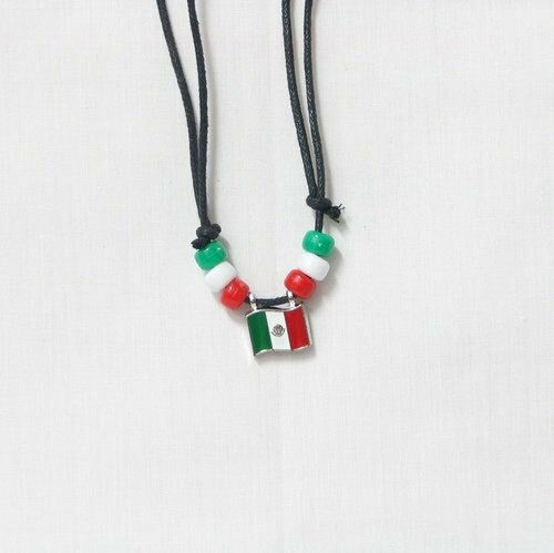 MEXICO  COUNTRY FLAG SMALL METAL NECKLACE CHOKER .. NEW