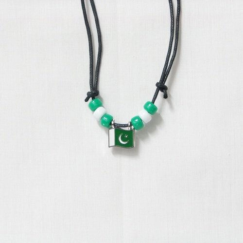PAKISTAN  COUNTRY FLAG SMALL METAL NECKLACE CHOKER .. NEW