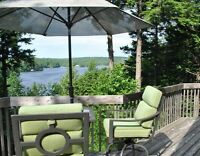 Beautiful 4 bedroom cottage overlooking Lac Barron (QUEBEC)