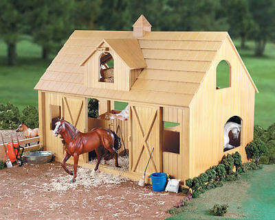 Breyer Deluxe Wood Stable / Barn Set w/Cupola - Traditional Model - #12278