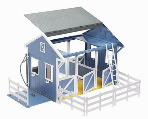 BREYER COUNTRY STABLE WITH WASH STALL #699 BG