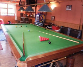3/4 Size (10 ft x 5 ft) Genuine Slate Bed Mahogany Snooker Table