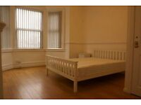 2 Double rooms in large terrace house