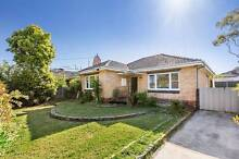 Two Bedroom Home and Close to Everything Oakleigh East Monash Area Preview