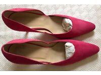 HOBBs Kim Plain Open Court Fine Suede Pink Heels UK 7 (40)
