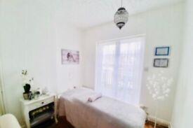 Relaxing & Deep Tissue Massage £50h
