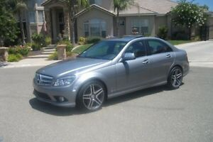 2009 Mercedes C300 with Navigation & in car DVD