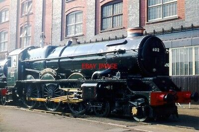 PHOTO  GWR KING CLASS 4-6-0 6012 KING EDWARD VI SPARKLES AT SWINDON WORKS ON THE