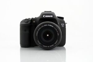 Canon EOS 7D with EF-S 18-135mm IS STM Lens Kit + Accessories