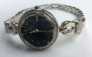 New no tag, Women's Caravelle Crystal Watch, (43L108) by Bulova Peterborough Peterborough Area image 3