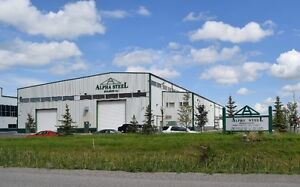 Manufacturing / Fabrication Building w/ Cranes & Fenced Yard