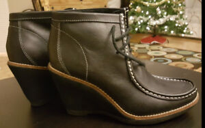 Hush Puppies boots size 8.5