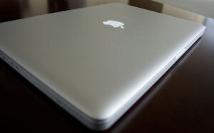 """Macbook Pro 17"""" 500 GB SSD in Great Condition"""