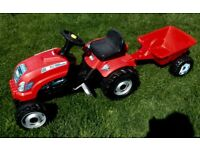Smoby Red Tractor and Trailer! Suitable for children aged 3 years and over,