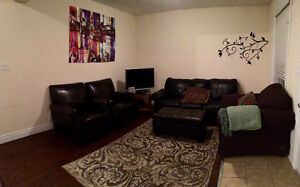2 rooms close to kings & uwo!!