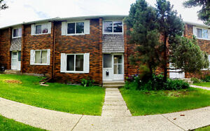 St. Albert 3 Bed Townhouse *Covered/Powered Parking*