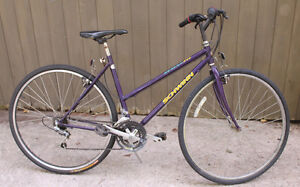 "Schwinn Crossfit Hybrid Road Bike 700x35c 19"" 18 Speed Stratford Kitchener Area image 1"