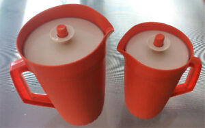 2 pichets Tupperware