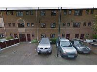 Off road 24/7 residential parking near ***KINGS ROAD & STAMFORD BRIDGE, CHELSEA*** (3869)
