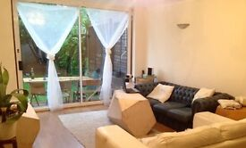 Big and cosy double bedrooms to rent in house with garden, London Zone 2