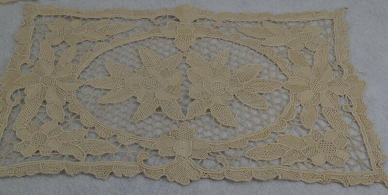 antique/vintage 8 Needle Lace Placemats Point de Venise & runner set ecru Italy