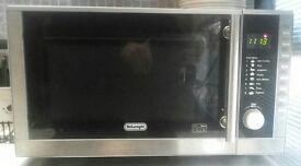 DeLonghi Microwave 900w