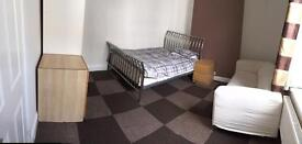DOUBLE room to rent/let in the centre of town all bills included fully furnished