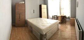 A large double room to rent in EASTHAM including Bills