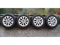 Mk1 Kuga 4x 17 inch alloys and tyres. Original Ford Kuga alloys in VGC. Can Post for additional cost