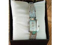 HOT NEW Ladies/Girls Love Gift Watch Bracelet SILVER Watch London