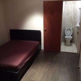 Large En Suite Room to let available in Refurbished property Hounslow Heston Bills Inc