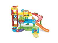 Vtech Toot Toot 3 storey garage with EXTRA tracks LIKE NEW 💚💙🚗🚖🚕
