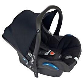 Maxi Cosi Cabriofix Car Seat and Isofix Base
