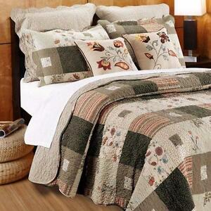 Helma King Quilt Set with Decorative Pillows by August Grove NEW