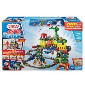 Brand new - Thomas trackmaster super station play set