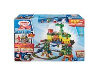 Brand new - Thomas trackmaster super station play set