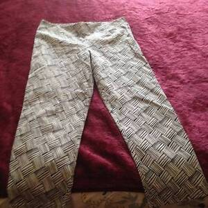 Brown Sugar Ladies White and Black Patterned Pants Size 12 Myrtleford Alpine Area Preview