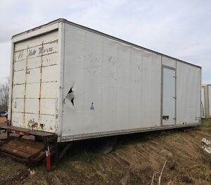 26 feet van body with a hydraulic tail gate Strathcona County Edmonton Area image 3