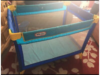 Little tikes travel cot, Folds for easy storage