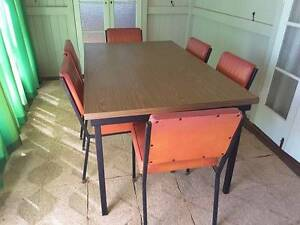 Retro Kitchen Table & Chairs Dingo Central Highlands Preview