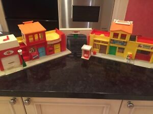 Vintage (1973) Fisher Price Little People Village