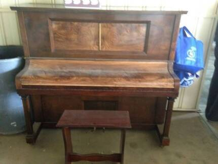 WM. Kuhnel Pianola / Piano Para Hills West Salisbury Area Preview
