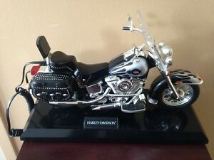 Téléphone Harley Davidson +HarleyDavidson Fat Boy radio commande
