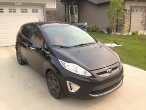 2013 Ford Fiesta Titanium - Fully Loaded, low KM