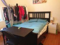 Massive double bedroom at Oval Tube and bus Stations - SHORT & LONG LETS