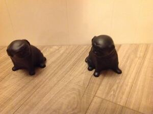 PUG BOOK ENDS