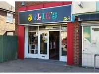 Commercial / Retail Lock up Busy Parade 1326 ft2 Flexible Terms **ALL OFFERS CONSIDERED**