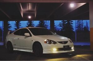 2002 Honda Integra Dc5 Coupe !First right hand drive in Calgary!