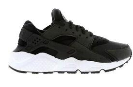 BNWB Nike Huarache size 6 (black and white)