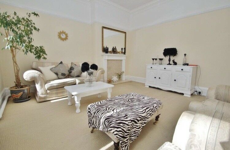 Town Centre - Two Double Bedroom Flat